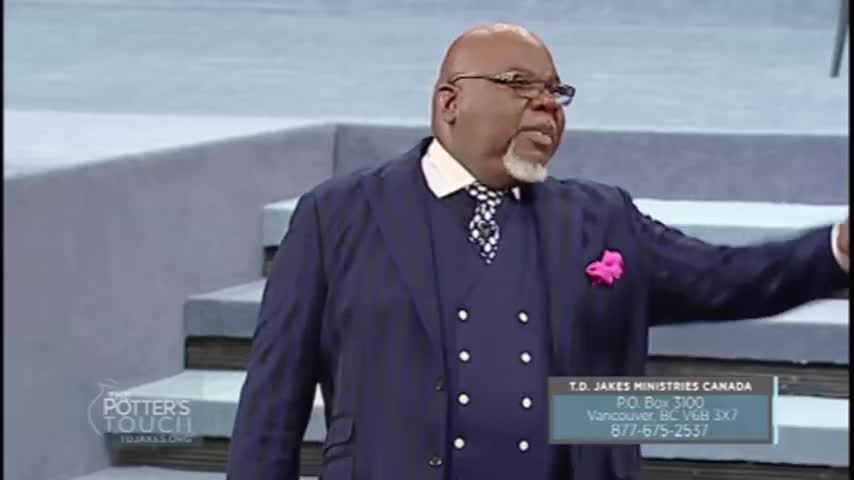 Momma Don't Look Back - The Potter's Touch with Bishop T D  Jakes