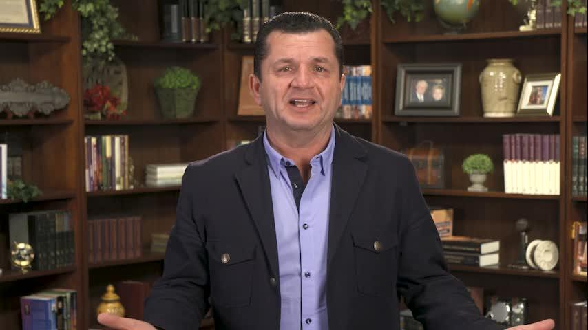 Seguro en las manos de Dios by Vivencias en Video  with Carlos A. Zazueta